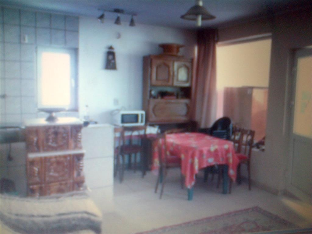 De Vanzare Casa Renovata In Gaesti Zona Centrala Id 300