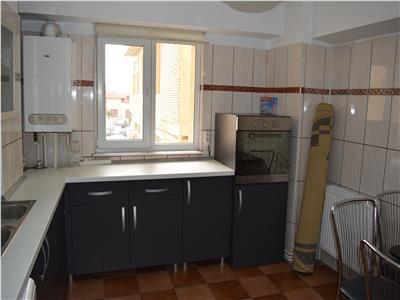 De inchiriat apartament 3- camere ultracentral