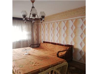 Vanzare apartament 3 camere etajul 1, Craiovei