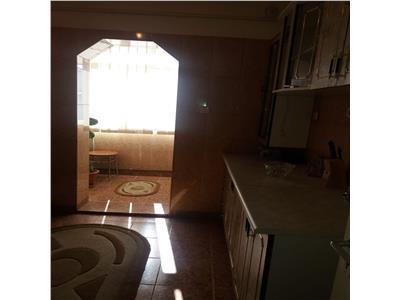 De inchiriat apartament 3 camere Bere-Dedeman