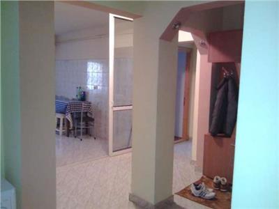 Inchiriez apartament 4 camere zona Gavana Kaufland